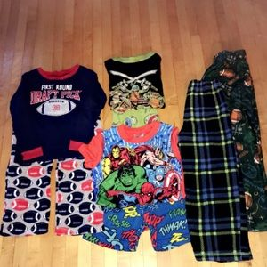 NEARLY NEW LOT OF 8 BOYS PAJAMAS• 3 SETS• 2 PANTS